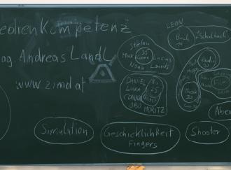 Tafelbild vom Pilotworkshop Gewaltprävention und Medienkompetenz - Gruppen von Mediennutzer_innen